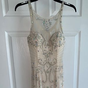 Sean Collection cream long prom dress